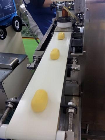 新鮮な卵をたっぷり使って、まろやかな甘さの カスタード味に